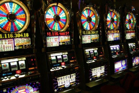 Где в игровые автоматы играть бесплатно и без регистрации