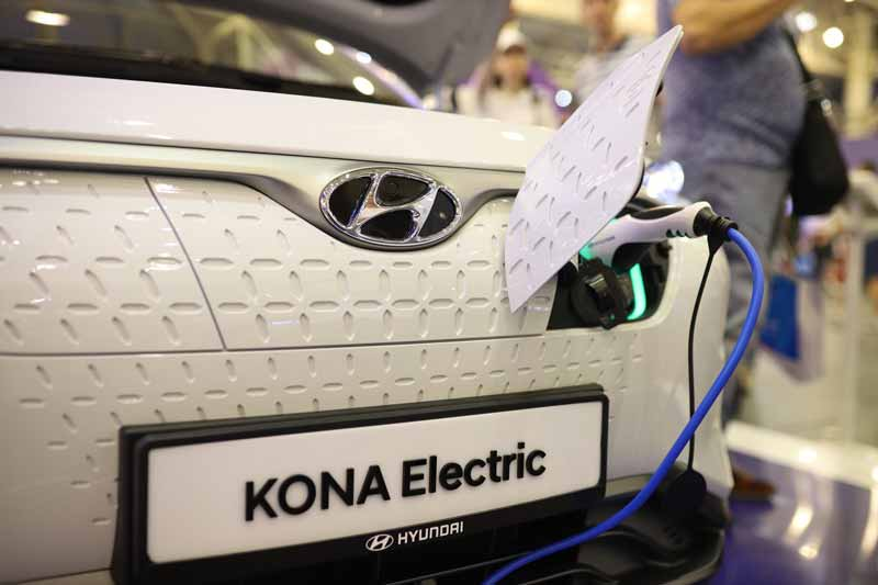 Hyundai представил на iForum-2019 кроссовер Kona Electric